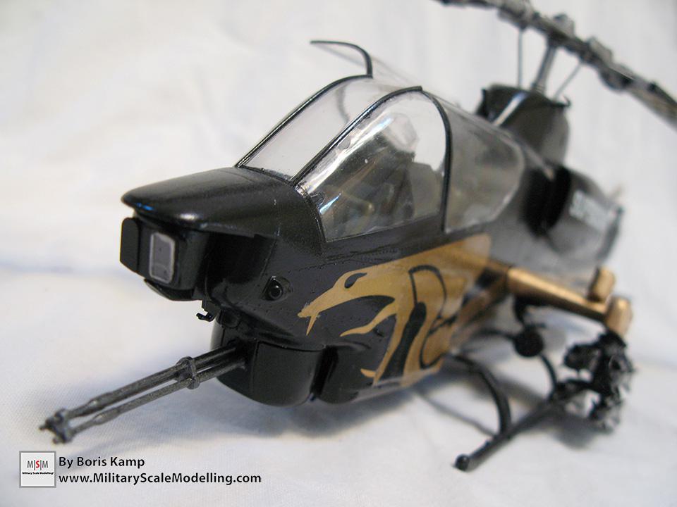 AH-1T Gold Cobra (Academy 2198)