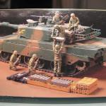 02 The box and its content Type 90 J G S D F Tamiya 35260