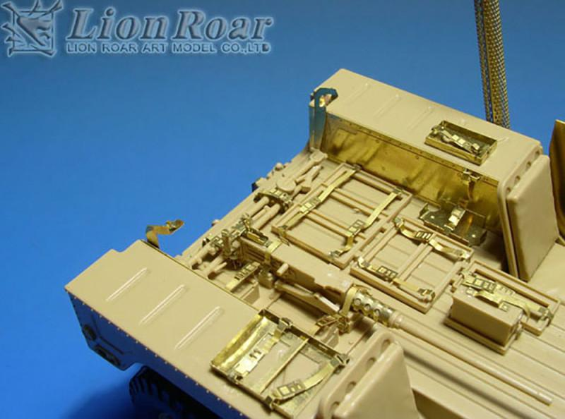 M1025 Humvee PE Update set (Lion Roar LORLE35072)
