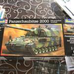 001 Boxart Panzerhaubitze 2000 Revell 803042