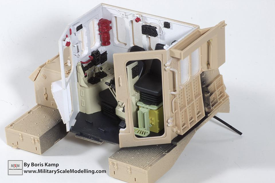 Painted the cabin interior (1:35 D9R Bulldozer Meng SS-002)