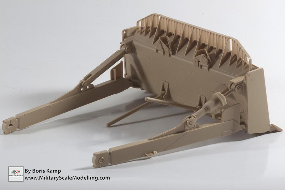 the shovel blade (1:35 D9R Bulldozer Meng SS-002)
