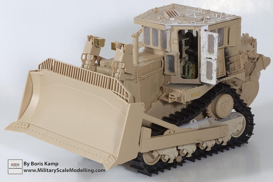 Completed building (1:35 D9R Bulldozer Meng SS-002)