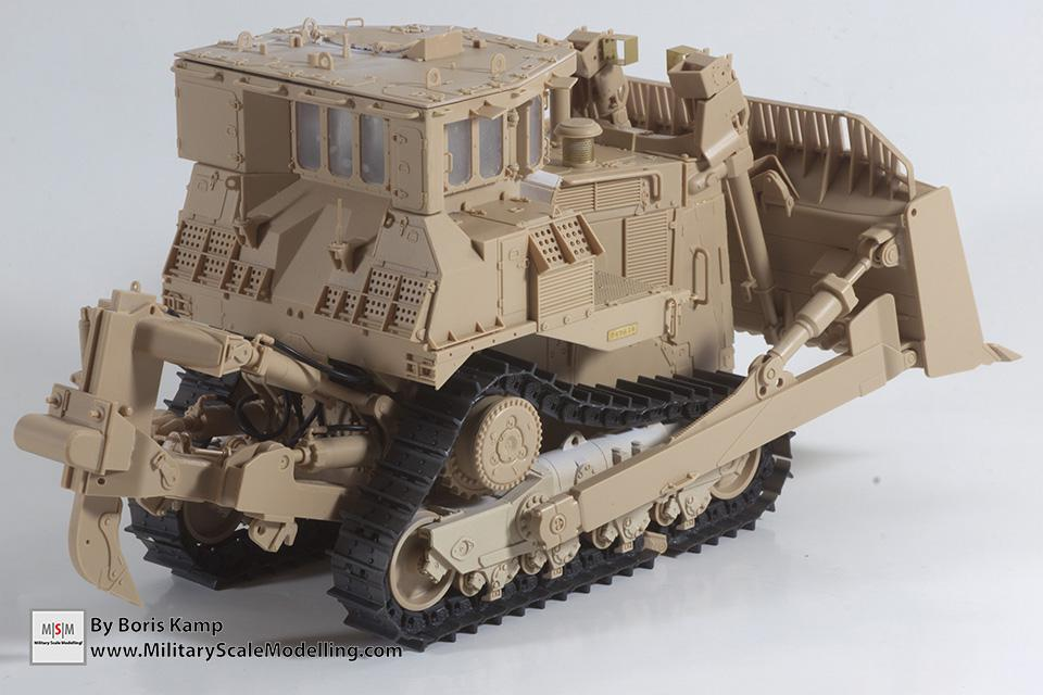 rear right side (1:35 D9R Bulldozer Meng SS-002)