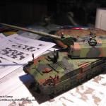 043 finished the camo pattern Panzerhaubitze 2000 Revell 803042