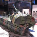 044 finished the camo pattern Panzerhaubitze 2000 Revell 803042