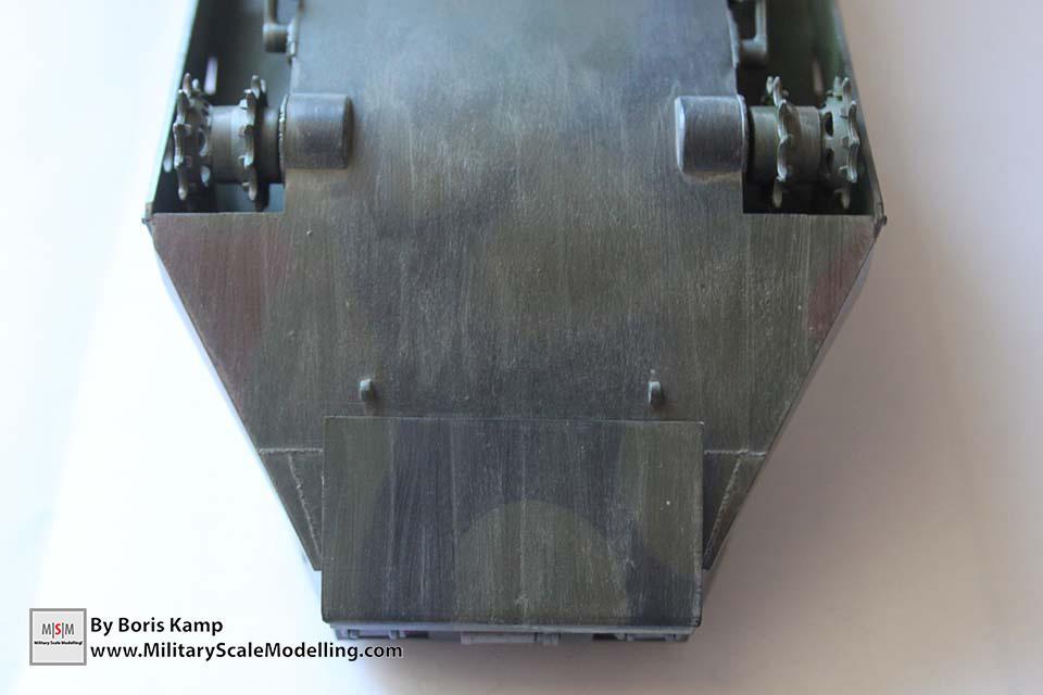 The streaking effect first (AAVP-7A1 RAM RS HobbyBoss 82415)